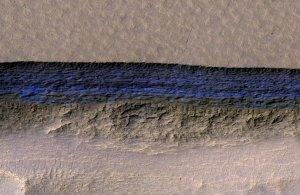 Μεγάλα αποθέματα παγωμένου νερού ανακαλύφθηκαν στον Άρη