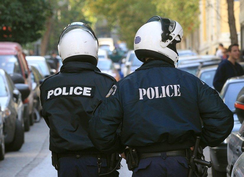 Ολόκληρο οπλοστάσιο βρήκε η Αντιτρομοκρατική στα σπίτια ακροδεξιών — Έγιναν πέντε συλλήψεις