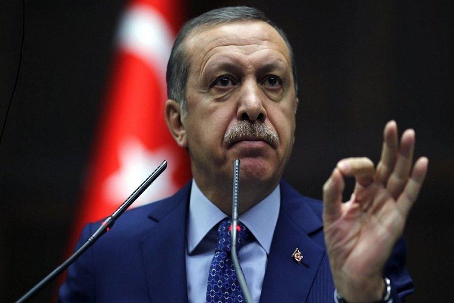 Ερντογάν σε Παυλόπουλο: Γλιτώσατε από το να γίνετε παστά ψάρια και πέσατε στη θάλασσα