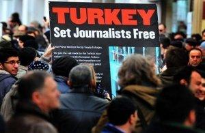 Τουρκία: Τοπικό δικαστήριο θα κρίνει για τους φυλακισμένους δημοσιογράφους Αλτάν και Αλπάι