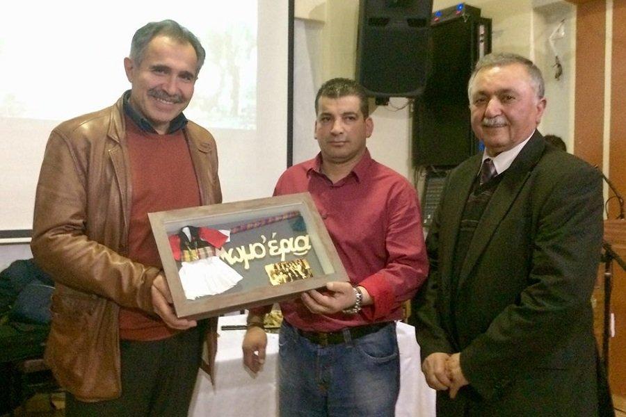 Βραβεύτηκε ο Κώστας Αλεξανδρίδης στην κοπή της βασιλόπιτας του «Μανουήλ Κομνηνού» Πετρούπολης