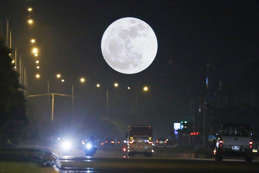 Σελήνη: Αυτό θα γίνει αύριο στον ουρανό ύστερα από 152 χρόνια — Θα το ξαναδούμε το 2037