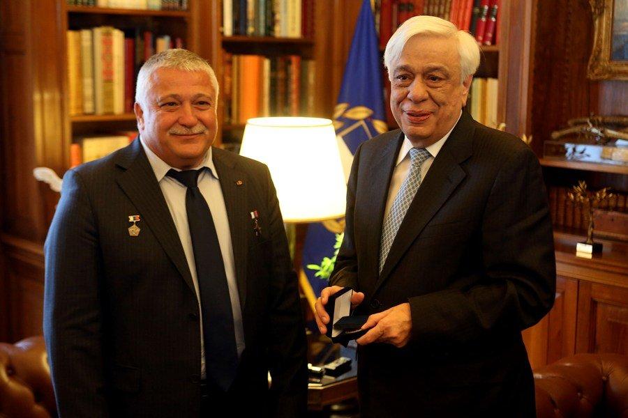 Όλα όσα συζήτησαν ο Πρόεδρος της Δημοκρατίας με τον κοσμοναύτη Θεόδωρο Γιουρτσιχίν–Γραμματικόπουλο