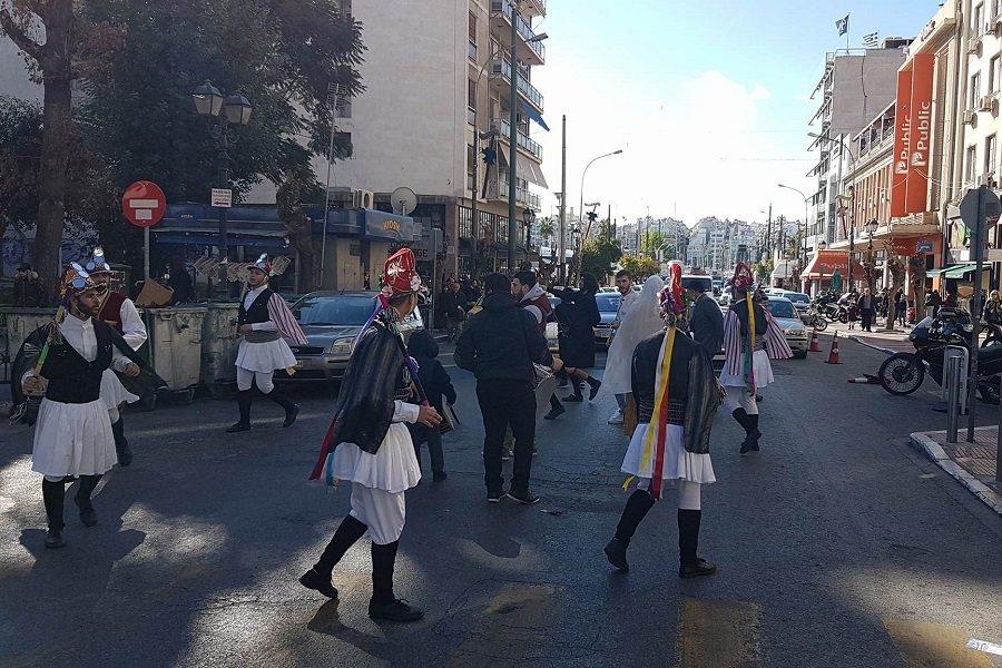 Οι Κοτσαμάνοι αναστάτωσαν την Αθήνα και τον Πειραιά (φωτο)
