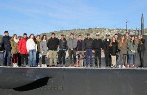 Βόλτα με υποβρύχιο του Πολεμικού Ναυτικού έκαναν μαθητές Λυκείου