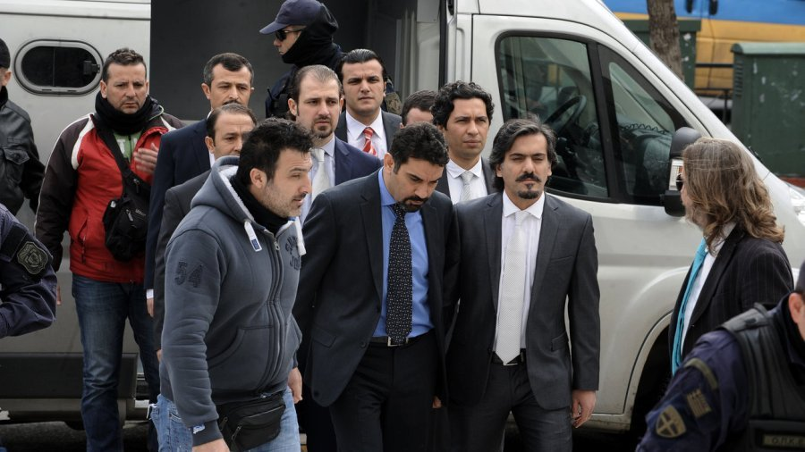 Ανακοίνωση του Δικηγορικού Συλλόγου Αθηνών για τους 8 Τούρκους στρατιωτικούς