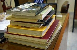 Πτολεμαΐδα: Προσέφεραν βιβλία για τους ασθενείς στο «Μποδοσάκειο» νοσοκομείο