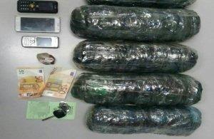 Συνελήφθησαν ένας Έλληνας και ένας Αλβανός για κατοχή 4 κιλών χασίς