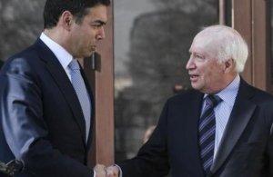 Ντιμιτρόφ: «Δεν μπορεί να μας στερηθεί το δικαίωμα να είμαστε Μακεδόνες»