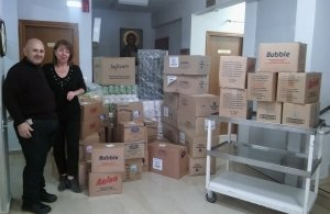 «Χέρι με χέρι» παρέδωσε πολύτιμα προϊόντα στο γηροκομείο της πόλης η Εύξεινος Λέσχη Νάουσας