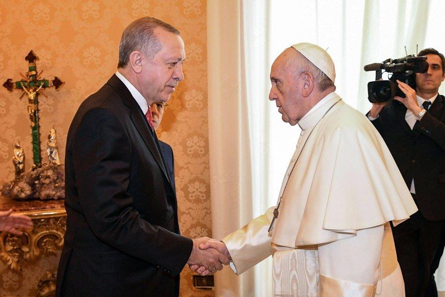 Κρίσιμη συνάντηση του Ερντογάν με τον Πάπα Φραγκίσκο στο Βατικανό