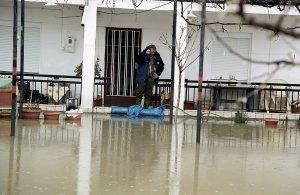 Τρίκαλα: Εκκένωση σπιτιών στην Πιαλεία λόγω κατολισθήσεων