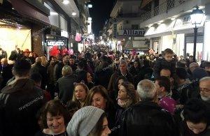 Καρναβάλι και «Λευκή Νύχτα», χθες, στη Χαλκίδα — Θαλασσινό καρναβάλι και «Χρονικό της Τροίας» σήμερα (φωτο)