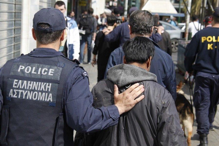 Έξι Πακιστανοί είχαν γίνει φόβος και τρόμος για περαστικούς σε Ακρόπολη και Φιλοπάππου
