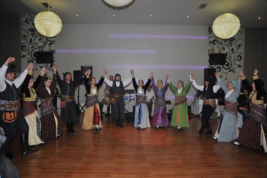Από το Μπαμπαλιό μέχρι τον Άγιο Δομίνικο(!) θα παρακολουθήσουν τον ετήσιο χορό των «Αξέχαστων Πατρίδων» Αιτωλοακαρνανίας