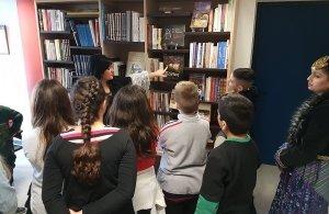 Η Γενοκτονία των Ποντίων στο επίκεντρο εκπαιδευτικής επίσκεψης μαθητών στο «Φάρο» Αγίας Βαρβάρας (φωτο)