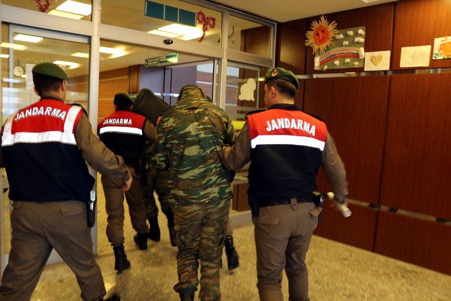 Καθαρά τα κινητά των Ελλήνων στρατιωτικών που κρατούνται για 12η ημέρα