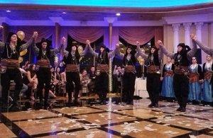 Έκλεψαν τις εντυπώσεις τα ποντιακά συγκροτήματα στον 53ο ετήσιο χορό του Ποντιακού Συλλόγου Νέας Υόρκης «Κομνηνοί»