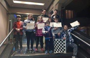 Με διακρίσεις επέστρεψε το τμήμα σκακιού της Ευξείνου Λέσχης Ποντίων Νάουσας από το 12ο Ατομικό Σχολικό Πρωτάθλημα Κεντρικής και Δυτικής Μακεδονίας