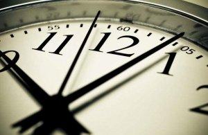 Αλλαγή ώρας: Πότε θα βάλουμε τα ρολόγια μας μία ώρα μπροστά
