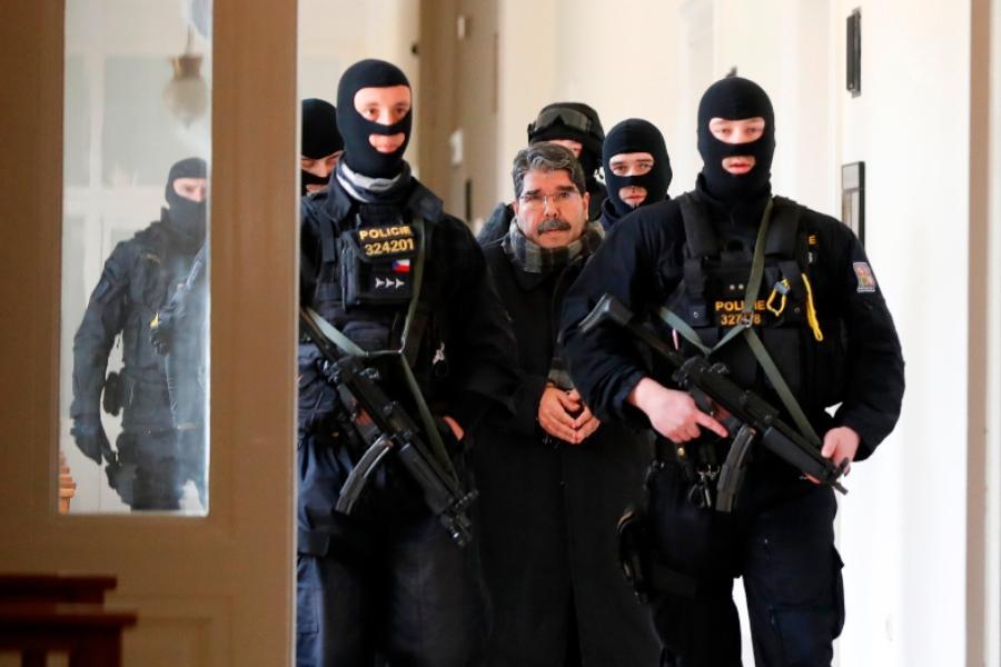 Την έκδοση του Κούρδου πολιτικού Σαλίχ Μουσλίμ θα ζητήσει ο Τσαβούσογλου από το Βερολίνο