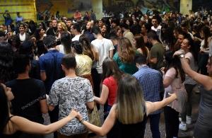 Καίγεται αυτή τη στιγμή η κάτω Φοιτητική Λέσχη του ΑΠΘ από τον εαρινό χορό του ΣΠΦΘ (φωτο, βίντεο)