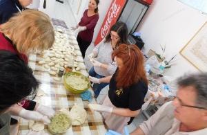Ο «Νίκος Καπετανίδης» Αμαρουσίου παρέδωσε μαθήματα ποντιακής κουζίνας και η ΤΡΑΠΕΖΟΥΝΤΑ.gr ήταν εκεί (φωτο, βίντεο)