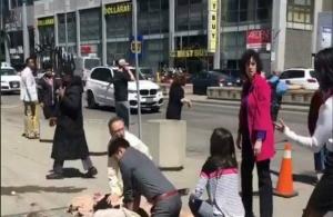 Καναδάς: Φορτηγάκι παρέσυρε δέκα πεζούς στο Τορόντο