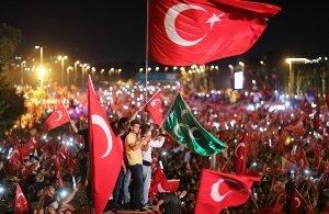Χιλιάδες διωκόμενοι Τούρκοι βρίσκουν καταφύγιο στην Ελλάδα και ανατρέπουν παλιά στερεότυπα