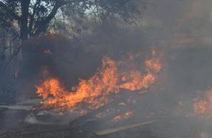 Ξέσπασε φωτιά σε κέντρο ανακύκλωσης στον Ασπρόπυργο