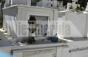 Βανδαλισμοί στο νεκροταφείο της Μόριας — Για τρίτη φορά, ανάστατοι οι κάτοικοι