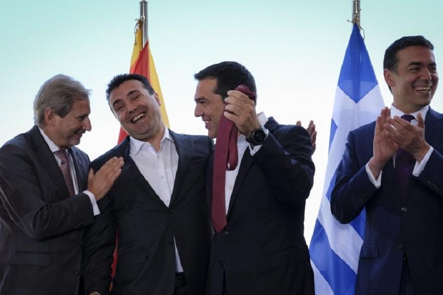 Υπέρ της συμφωνίας των Πρεσπών υπογράφουν πάνω από 320 πρόσωπα της πολιτικής, της διανόησης και της τέχνης