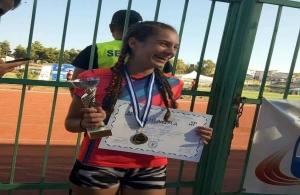 Πανελληνιονίκης στις παγκορασίδες η αθλήτρια του ΑΟ Δίας Ολυμπιακού Χωριού Κυριακή Συρανίδου