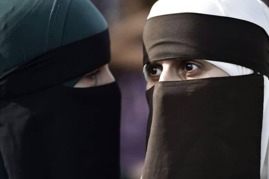 Το πρώτο πρόστιμο στη Δανία σε 28χρονη που φορούσε νικάμπ δημοσίως