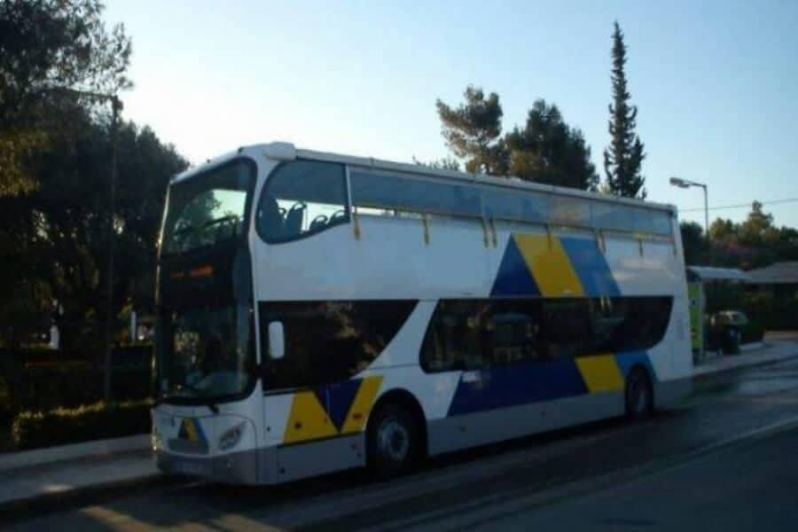 Επιστρέφουν στους δρόμους τα τουριστικά λεωφορεία του ΟΑΣΑ