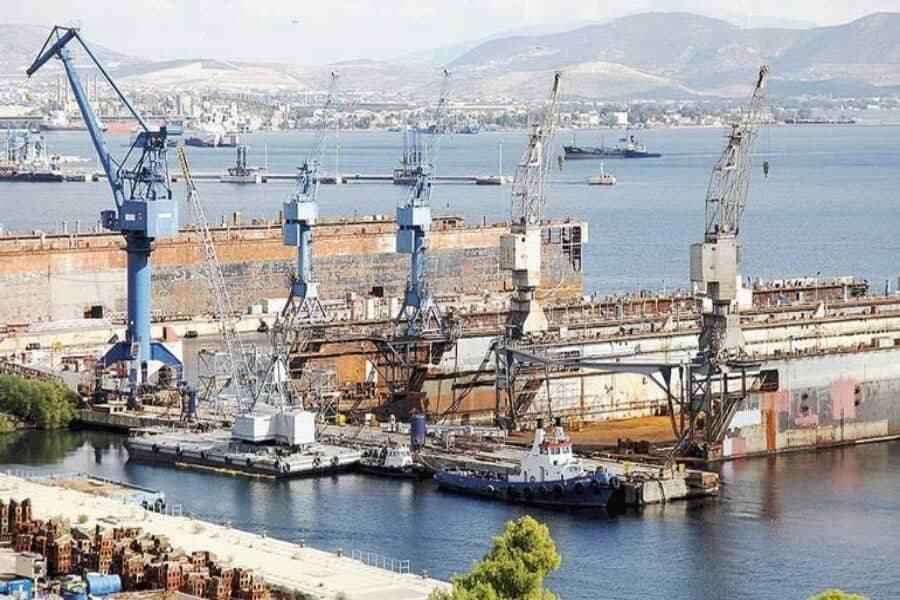 Ημιβυθίστηκε τμήμα της πλωτής δεξαμενής 1 εντός των ναυπηγείων της Ελευσίνας