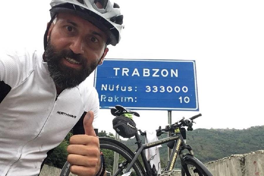 Μπήκε στην ιστορία ο δεύτερος άθλος του Βασίλη Καρυοφυλλίδη – Ποδηλάτησε από τις Αχαρνές μέχρι την Παναγία Σουμελά στην Τραπεζούντα κι επέστρεψε (φωτο)
