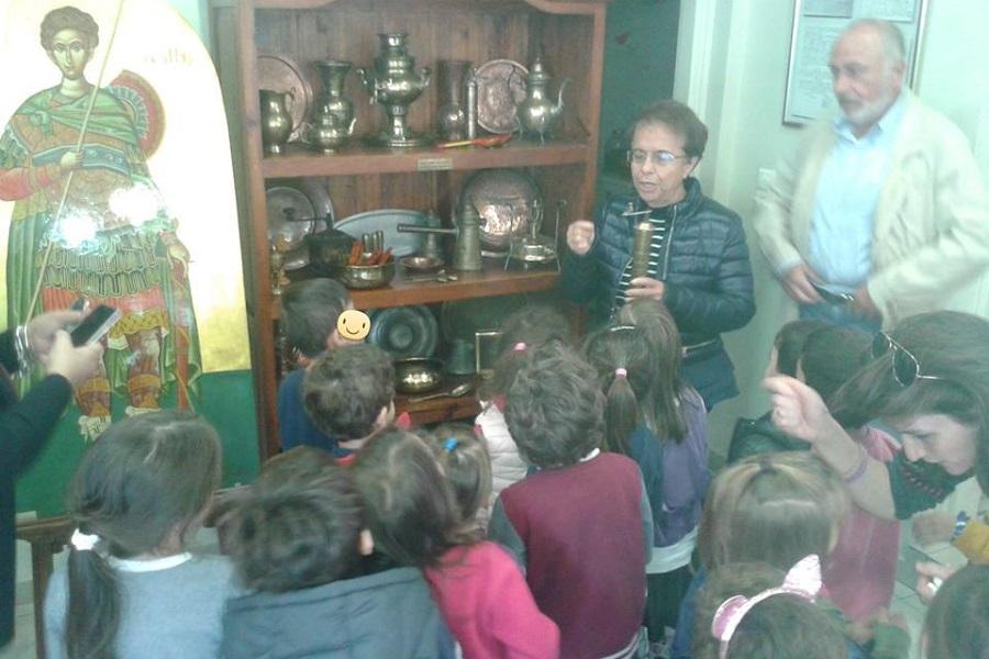 Επίσκεψη νηπίων στην Ένωση Ποντίων Δροσιάς