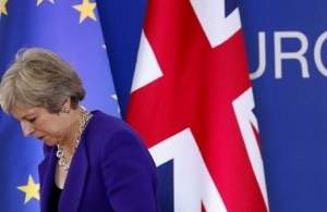 BBC: Η Μέι θα αποσύρει την ψηφοφορία για τη συμφωνία του Brexit