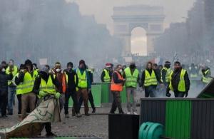 «Αστακός» το Παρίσι — Τουλάχιστον 7.500 αστυνομικοί για τις διαδηλώσεις των «κίτρινων γιλέκων»