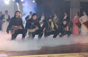 Με φόντο τις εκδηλώσεις μνήμης του κινήματος «Εντάμαν» έγινε ο ετήσιος χορός των «Ακριτών του Πόντου» Ασπροπύργου (φωτο)