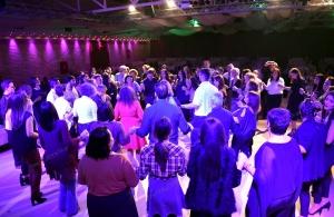 Με κρητικές μαντινάδες υπό τους ήχους της ποντιακής λύρας έπεσε η αυλαία του ετήσιου χορού της Ευξείνου Λέσχης Ποντίων Ηρακλείου Κρήτης (φωτο, βίντεο)
