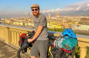 Ντροπή! Έκλεψαν ποδήλατο ακτιβιστή στη Θεσσαλονίκη που ταξίδευε για φιλανθρωπικό σκοπό