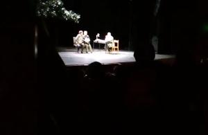 Μέλη του Ιερού Λόχου σταματούν παράσταση που έβριζε τα Θεία στην Θεσσαλονίκη (βίντεο)