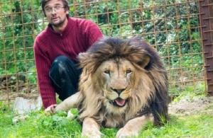 Τσεχία: Τον κατασπάραξαν τα λιοντάρια που κρατούσε στην αυλή του