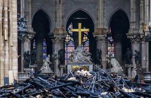 Στο 1 δισεκατομμύριο ευρώ έφθασαν οι δωρεές για την Παναγία των Παρισίων — Ποιοι μεγιστάνες έδωσαν χρήματα
