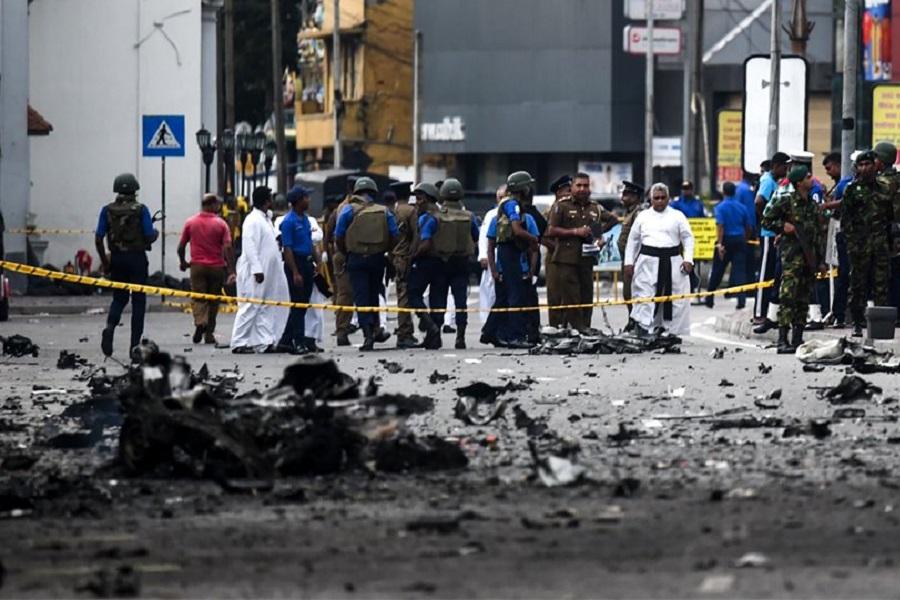 Σρι Λάνκα: Δύο αδέρφια από τη Βρετανία επέζησαν από την πρώτη έκρηξη και σκοτώθηκαν στη δεύτερη — Στους 310 οι νεκροί