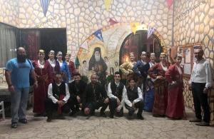 Μάγεψε το χορευτικό της «Τραπεζούντας» Φυλής στον Ιερό Ναό Αγίου Νεκταρίου Άνω Λιοσίων