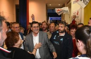 Με ποντιακά γιόρτασε την νίκη του ο δήμαρχος Πατρέων Κώστας Πελετίδης