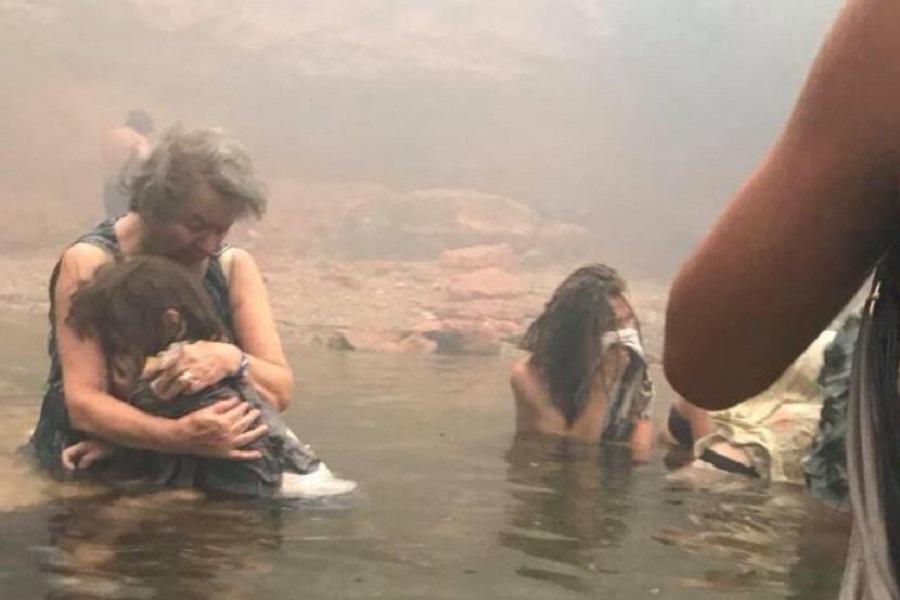 Ο μικρός Βασίλης που συγκίνησε όλη την Ελλάδα, βραβεύθηκε για το θάρρος του στη φονική πυρκαγιά στο Μάτι